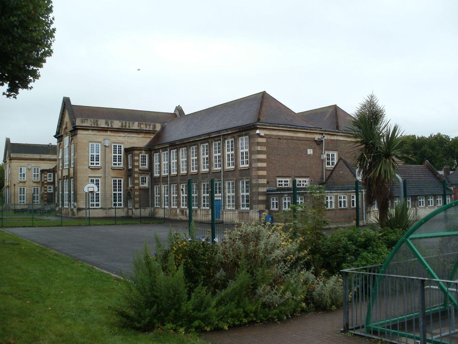 Chiswick_Community_School_-_London_-_20110904b