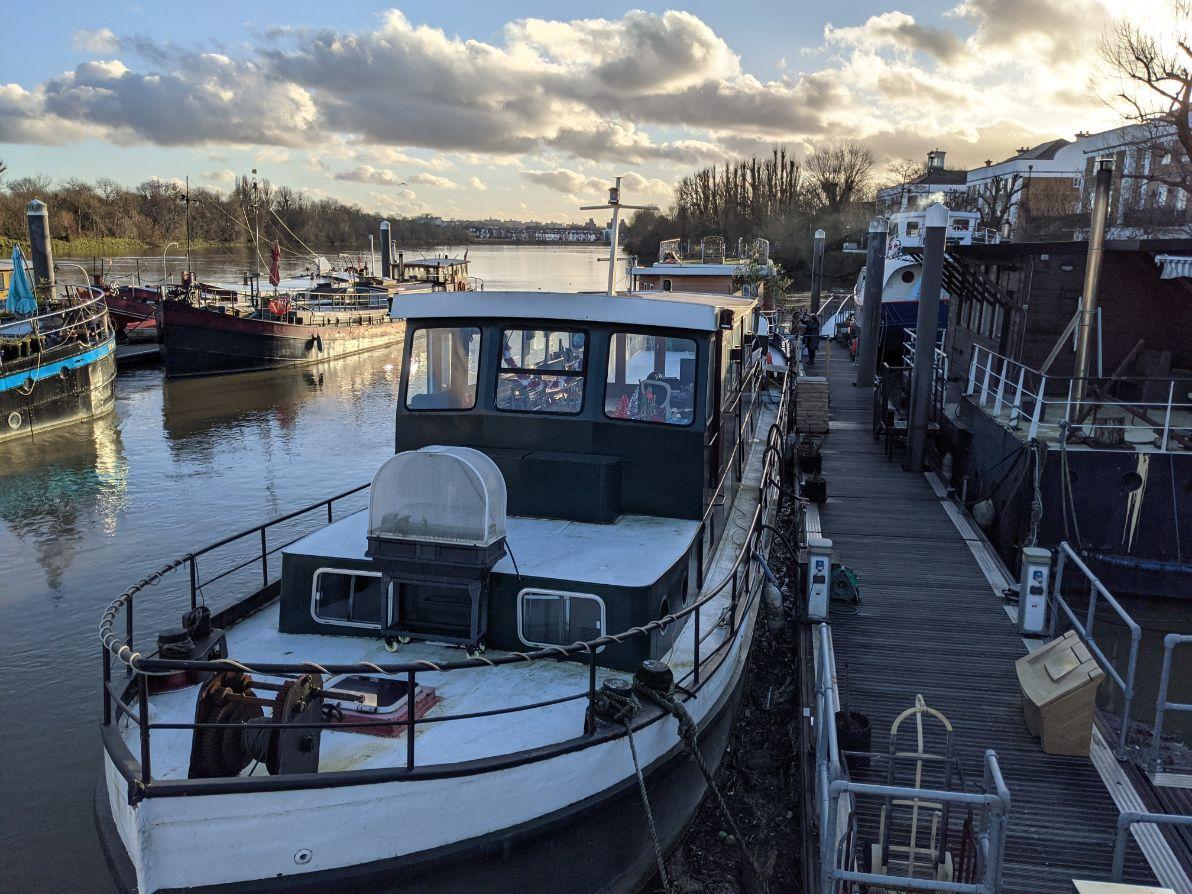 Houseboats 11 Ventana - Joanna Raikes
