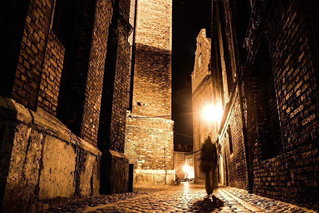 6 April - dark night scene_web