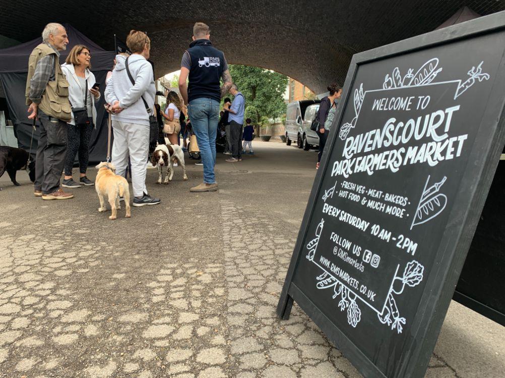 Ravenscourt Park Market queue_web