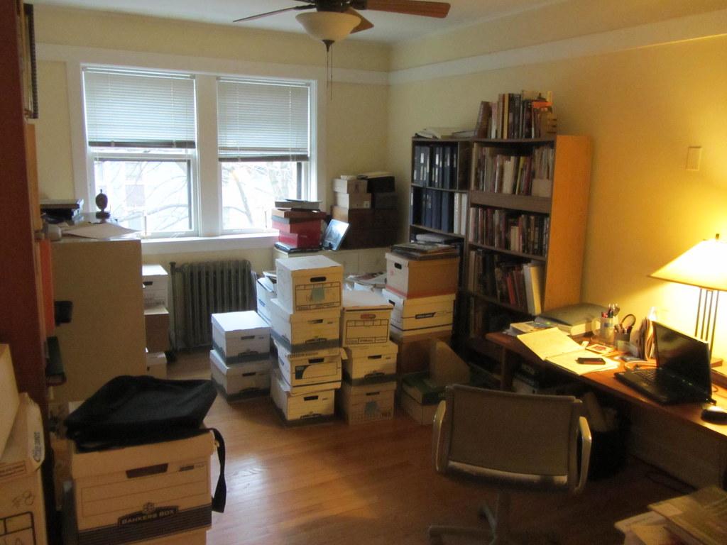 Untidy house - free image 1