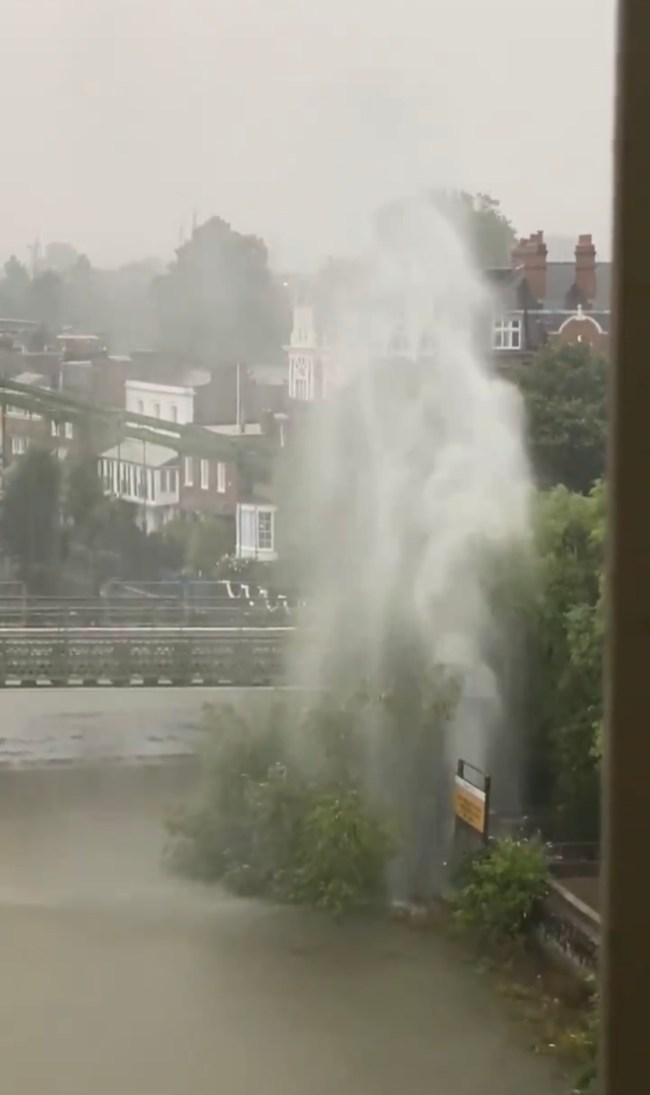 Hammersmith Bridge geyser