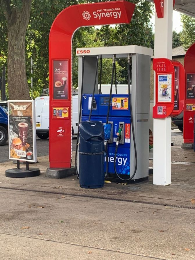Esso Chiswick Roundabout