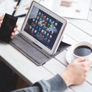 モバイル端末 スマートフォン 生産性向上 サテライトオフィス テレワーク