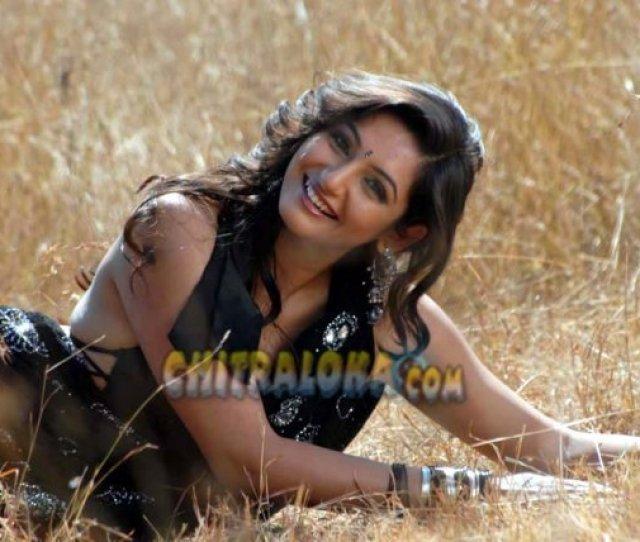 Ladies Hostel Kannada Hot Full Film Ragini Dwivedi Hot Photos Kannada Actress Ragini Dwivedi Hot Photos And Wallpapers Ragini Dwivedi Has Been Popular