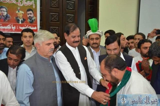 sartaj ahmad khan and other joined pti chitral 3 1