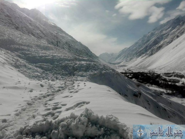 upper chitral snow fall and road clearence 4 scaled