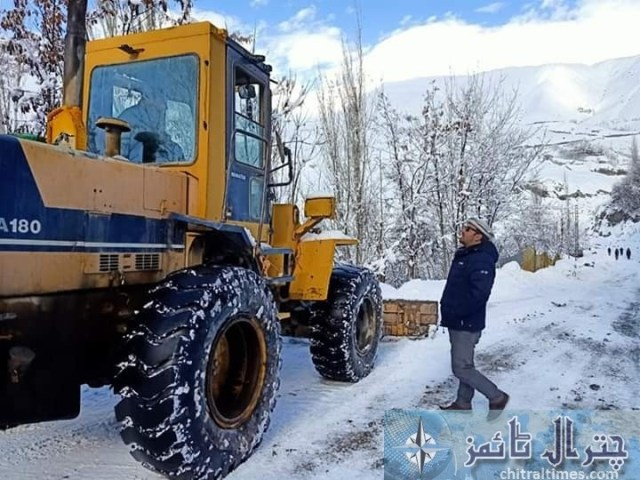 upper chitral snow fall and road clearence 5