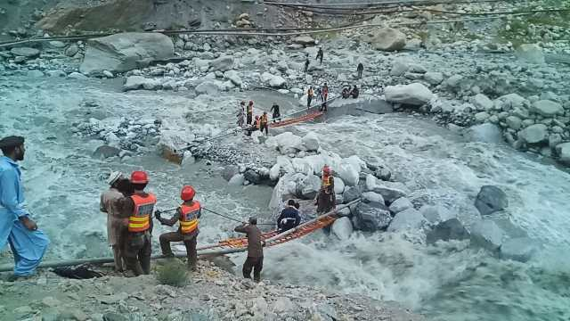 rescue 1122 golain flood rescue activities chitral4