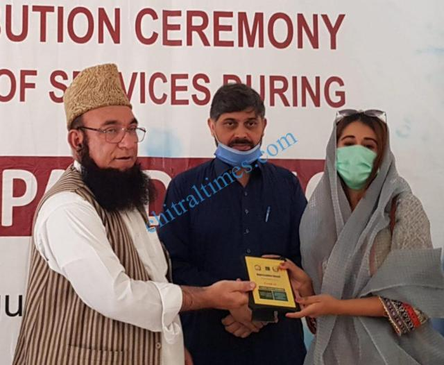 mna chitrali distributes awards among covid19 front line persons4 11