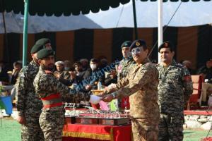 GOC Malakand Maj Gen addressing Chitral scouts12 scaled