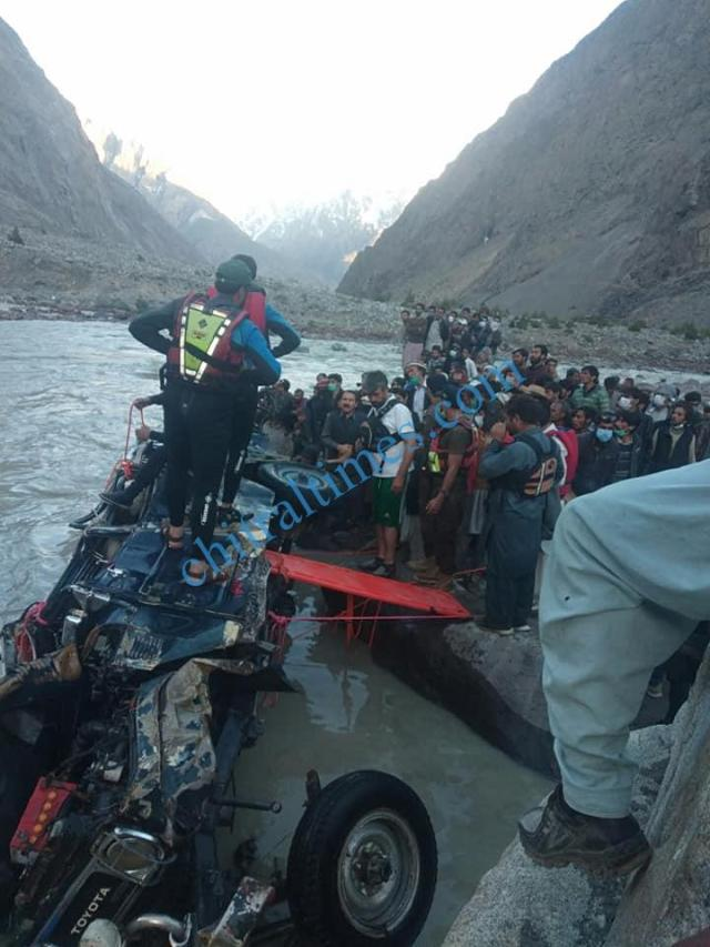 chitral a vehicle plunged into river in Yarkhoon valley while crossing Onawoch bridge resulting nine persons died including two women. pic by Saif ur Rehman Aziz 9