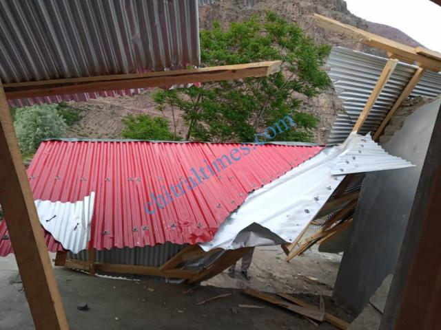 strom wind distryied a house upper chitral