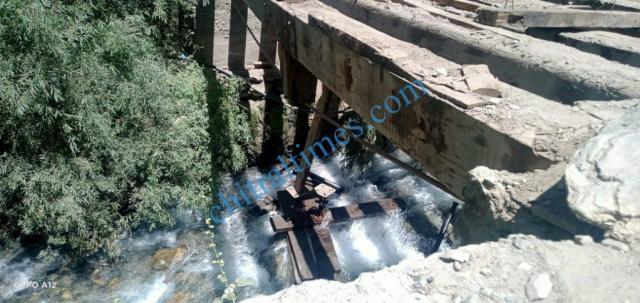chitraltimes garamchashma road and bridges 3