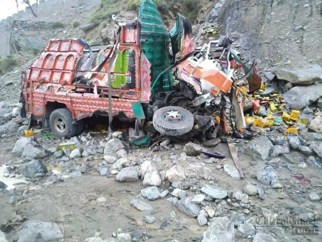 chitraltimes Ashirate truck accident two dies1