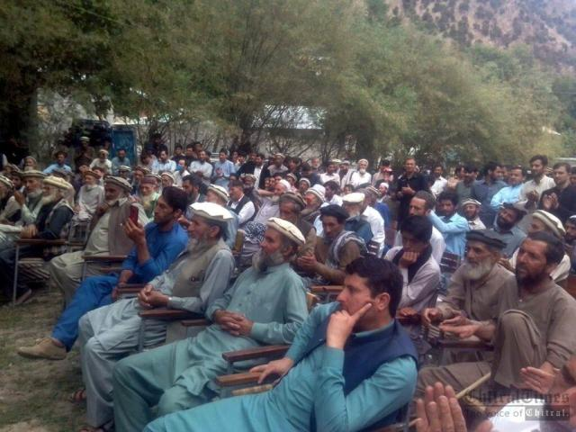 chitraltimes kalash valley protest against delay road construction3