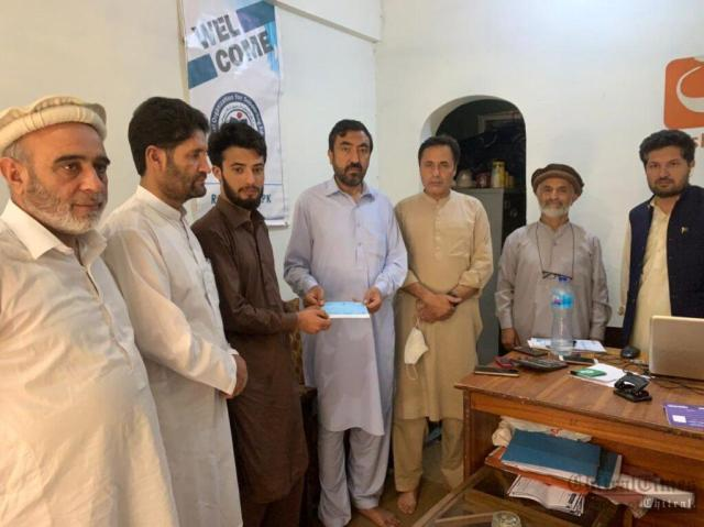 chitraltimes ROSE chitral schlorship given to students of Gik 1