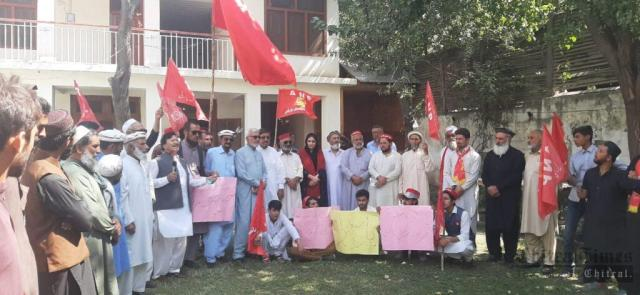 chitraltimes anp chitral protest against price high khadija