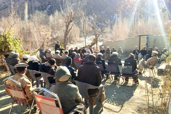 Awi residents demand jeep-able bridge at Domadoomi