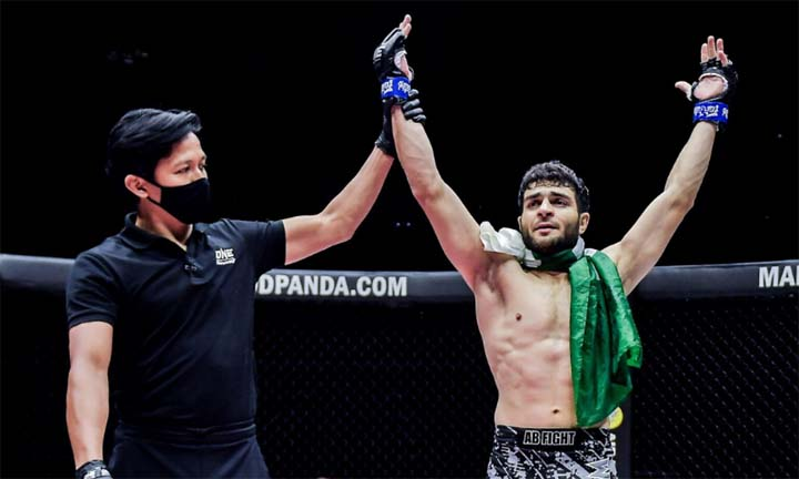 Ahmed Mujtaba knocks out Indian fighter