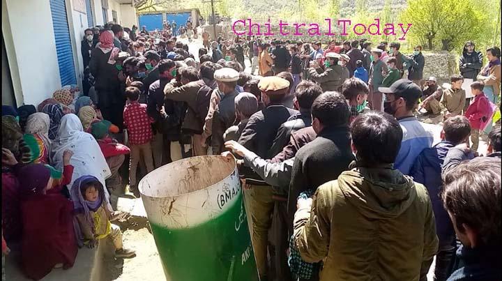 Bang, Yarkhun: Crowds descend on utility store, staff run away