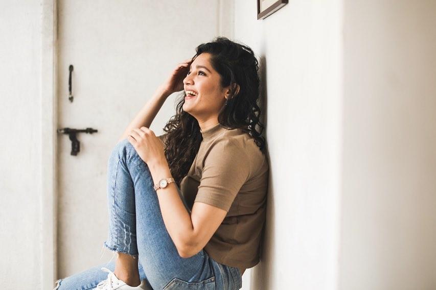 Ritika Singh Latest Hot and Navel Photos