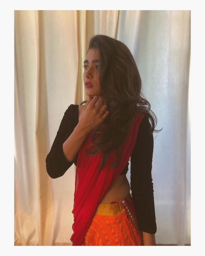Shalini Pandey Hot Saree stills