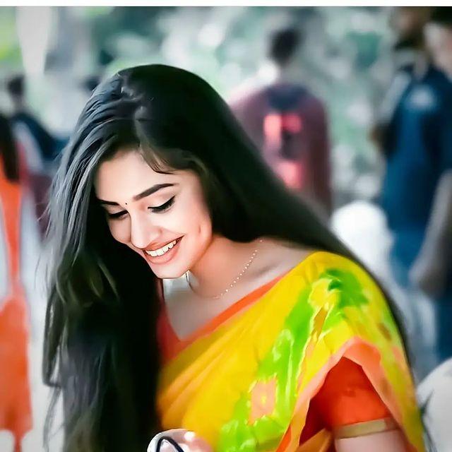 Krithi Shetty latest hot images and navel photos (1)