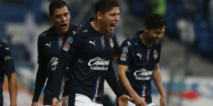 What does Chivas de Guadalajara need to qualify for the Liguilla after beating Rayados de Monterrey 2-1 in the Guard1anes 2021 I Liga MX tournament