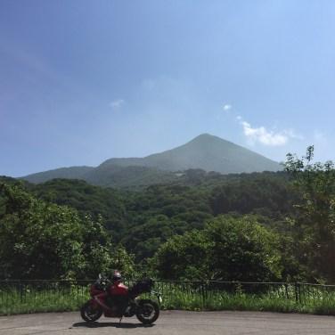 磐梯山が背景・磐梯吾妻レークライン