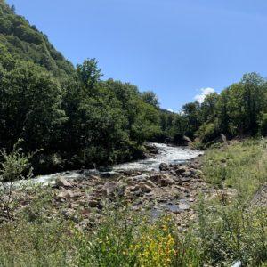 素晴らしい風景の只見川沿いR352