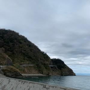 海沿い・断崖ルートを走る西伊豆R136