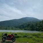 関田峠を信州側に降った場所にある田茂木池にてwithCBR650R