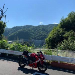 やんば見放台手前のポイントから八ッ場ダムを眺めるwith CBR650R