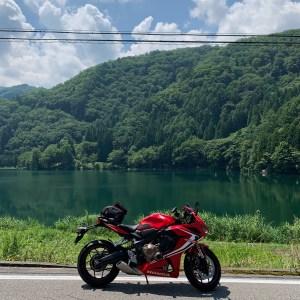 青木湖に続く、中網湖にてwith CBR650R