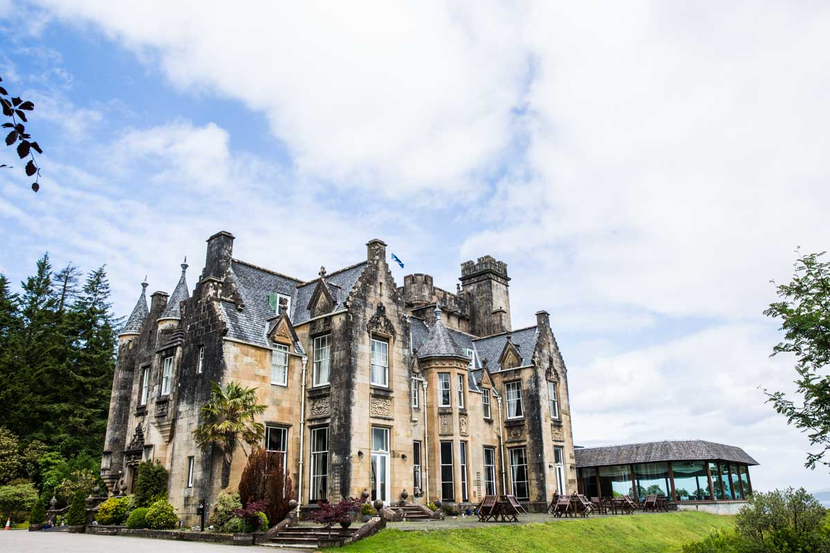 Stonefield Castle wedding photographer. Castle wedding venue on the west coast of Scotland.