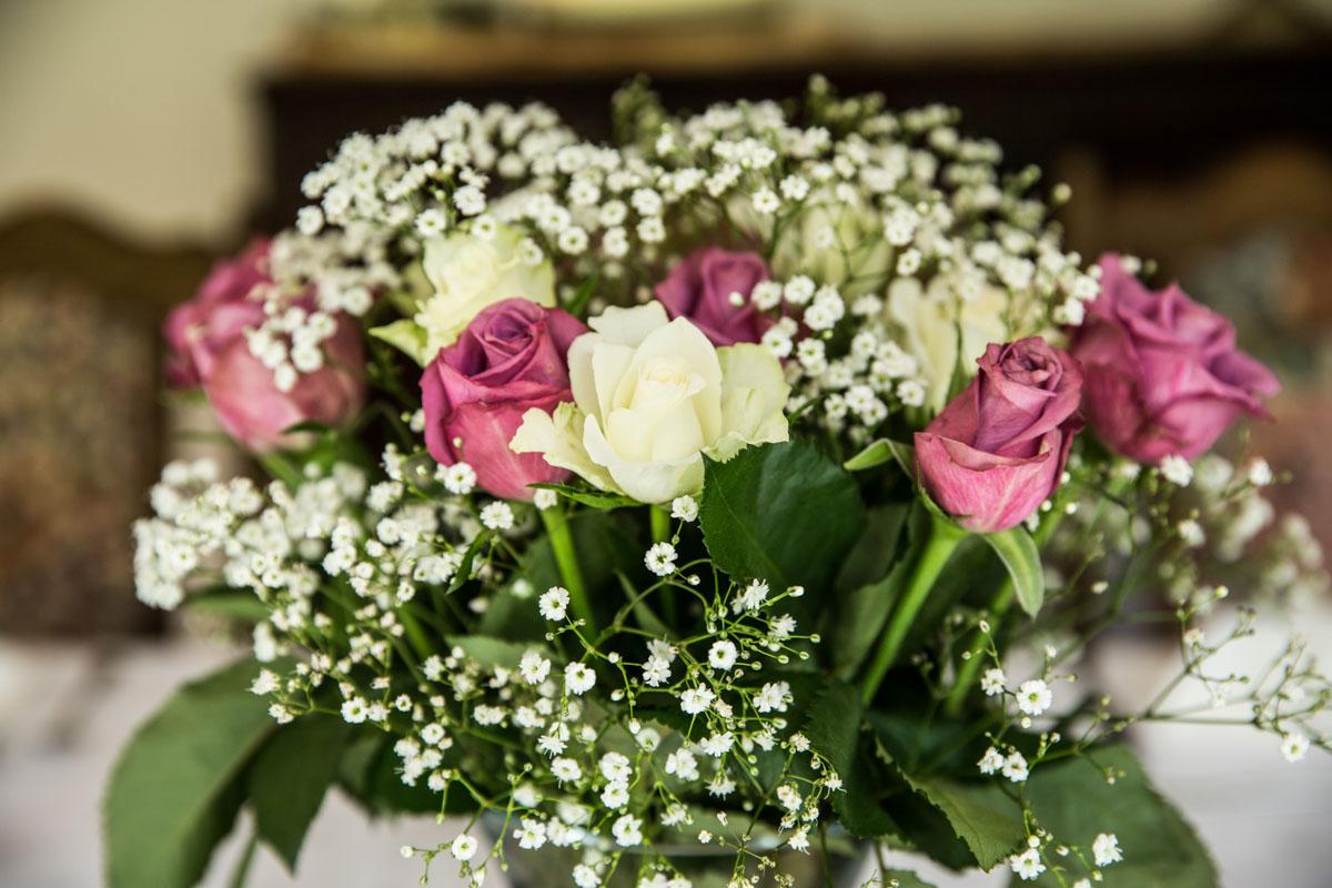 Flowers at Carrick Castle Estate wedding. Scotland luxury wedding photographer