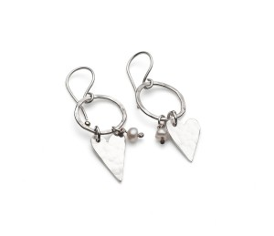 medium silver heart,silver hoop and pearl earring £47