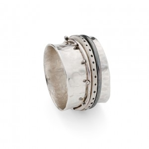 sterling silver spinner ring with delicate spinners £150