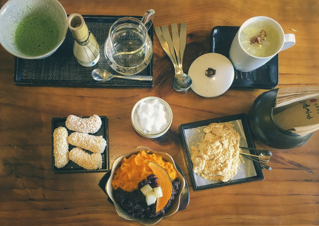 20 Unique Experiences in Korea   What to Do, See and Eat in Seoul, Korea: Drink Traditional Tea   www.chloestravelogue.com