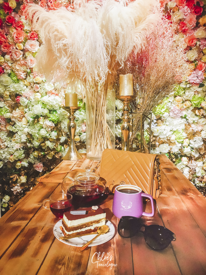 Best Coffee in Kaohsiung, Taiwan | CandyFloss Flower & Cafe, when flowers meet desserts | #Kaohsiung #Taiwan #Coffee #Dessert #flowercafe