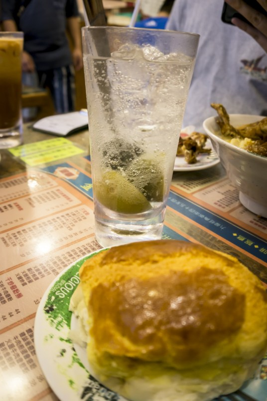 Hong Kong Food Diary | The Mouth-Watering Itinerary in the Greatest Food City #kamwah #pineapplebun #hongkong #food #hongkongfood #discoverhongkong #chachaanteng #milktea