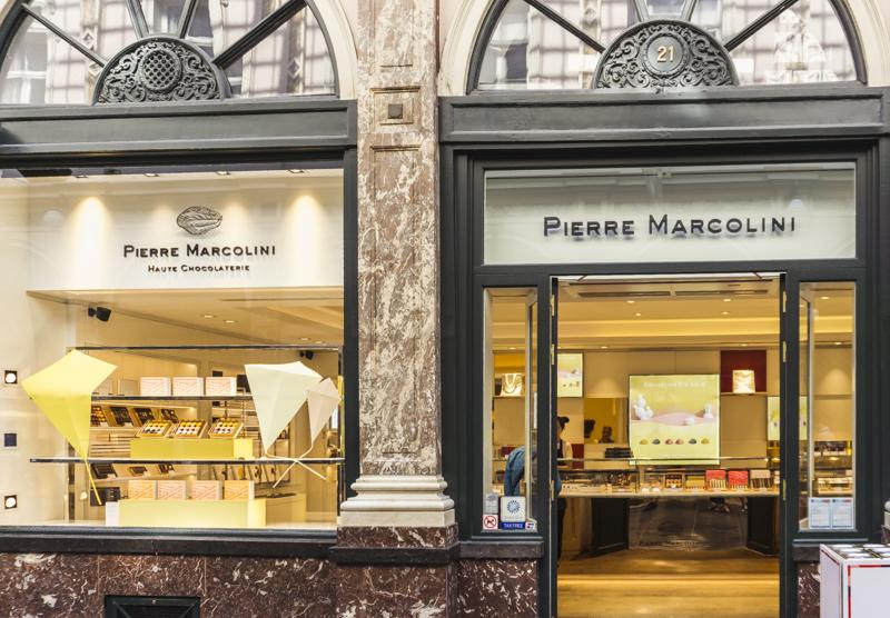 7 Things to Eat in Brussels - #BelgianPralines #BelgianChocolate #MannekenPis #PierreMarcolini #haute #chocolaterie #Brussels #Bruxelles #Europe #Food #Belgium #NationalDish   www.chloestravelogue.com