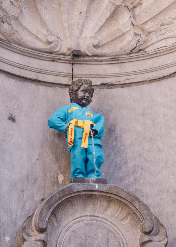 One day in Brussels: Gay District | #Brussels #Bruxelles #itinerary #Europe #MannekenPis #incostume #overrated #tourist #Landmark | www.ChloesTravelogue.com