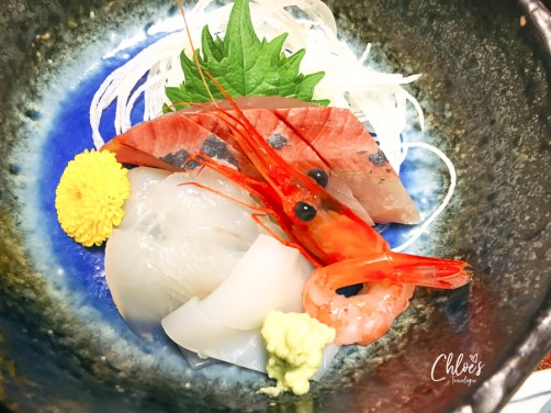 """Kanazawa Ryokan Review   Kaiseki Ryori is a course meal made with local and seasonal specialities served at traditional inn, """"Ryokan."""" It's Japanese cuisine art that all travelers must experience at least once in a life time.   #Kanazawa #KanazawaRyokan #JapaneseRyokan #Ryokan #Kaiseki #JapaneseCuisine #JapaneseBreakfast   chloestravelogue.com"""