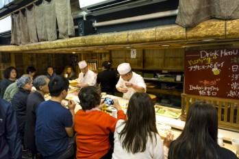 Where to Eat at Tsukiji Fish Market | Tsukiji Jogai near Ginza | #Ginza #Tokyo #GinzaThingstoDo #Japan #GinzaFood #GinzaSushi #Tsukiji #Sushi