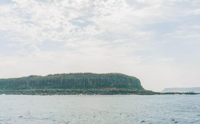 15 Best Things to Do in Penghu Island, Taiwan | Explore the Natural Wonders - Basalt Columns, Fenggui Blowholes, Whale Cave #Penghu #Taiwan #澎湖 #volcaniclandscape #Tongpanyu #桶盤嶼