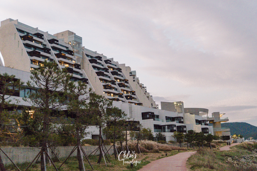 Ananti Cove Busan: A Luxury Resort Town with Stunning Coastal View | #Busan #TravelKorea #AnantiCove #AnantiCoveBusan #luxuryhotel #beachresorts #TravelAsia #VisitAsia #아난티코브 #기장