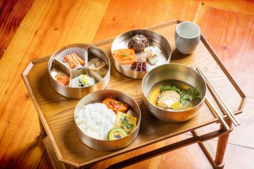Royal Dining at Gyeongbokgung Palace   #Gyeongbokgung #royalcuisine #SeoulatNight #VisitSeoul #TravelKorea #AsiaBucketList