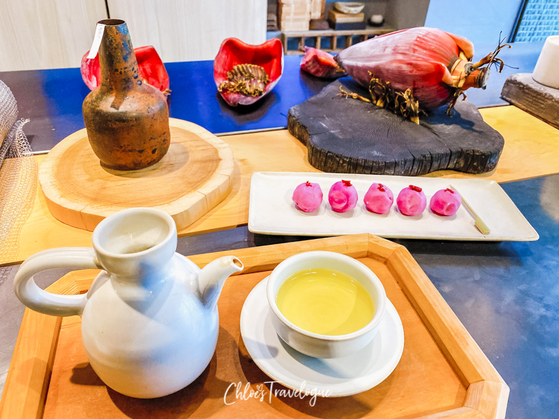 A Local's Guide to Yong Kang Street Taipei: Best YongKang Street Teahouses | 1. Stop By Tea | #Yongkangstreet #taipeitravel #TaiwanTrip #Taipeiteahouse